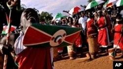 Mcheza ngoma asilia wa Burundi.