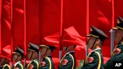 Đội quân vinh dự tại Đại sảnh đường Nhân dân Bắc Kinh
