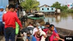 Algunos pobladores deben viajar horas en lancha para llegar a la ciudad de Bluefields, Nicaragua, para obtener una vacuna contra el COVID-19. [Foto: VOA/Houston Castillo]
