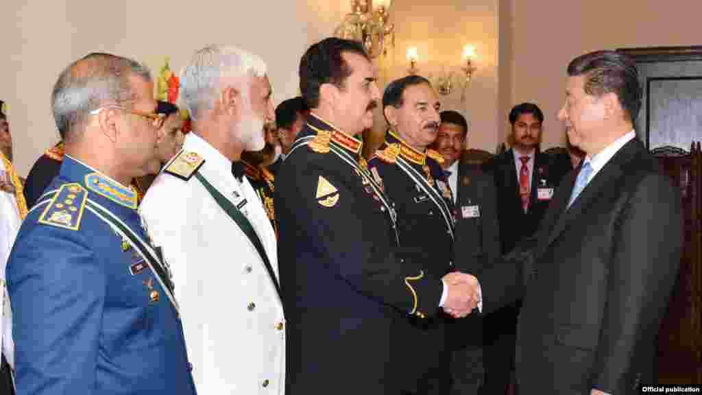 چین کے صدر شی نے مسلح افواج کے سربراہان سے بھی ملاقات کی۔