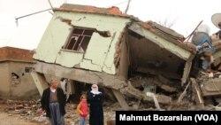 Şırnak'ta geçen sonbaharda 35 günlük sokağa çıkma yasağı sırasında yürütülen operasyonlarda yıkılan ev.