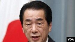Perdana Menteri Jepang Naoto Kan memberikan pernyataan pada konferensi pers di Tokyo, Selasa (12/4).