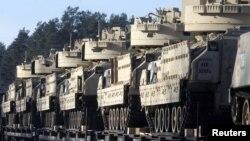 Фото для ілюстрації: Бойові машини «Бредлі». Машину такого типу, за повідомленнями, використовуватиме підрозділ «Дикий Білл»