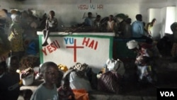 剛果戰亂不停﹐流離失所的家庭擠滿當地一家教堂。