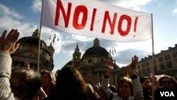 Se convocaron 280 protestas en varias ciudades de todo el mundo para pedir la dimisión del primer ministro.