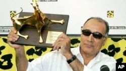 عباس کیارستمی بتازگی ۷۶ ساله شده بود.