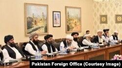 지난달 파키스탄 오교부를 방문한 탈레반 협상. (자료사진)