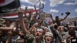 یمن میں مظاہرین اور سرکاری افواج میں جھڑپیں، 11 ہلاک