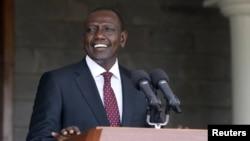 Naibu Rais wa Kenya, William Ruto akizungumza na waandishi wa habari kufuatia uamuzi wa ICC kufuta kesi iliyokuwa inamkabili.
