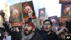 Іранці осуджують перед посольством Саудівської Аравії в Тегерані страту Німра аль-Німра