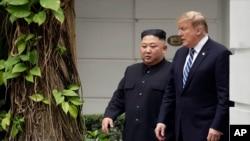 Lãnh tụ Triều Tiên Kim Jong Un và Tổng thống Mỹ Donald Trump gặp nhau tại Hà Nội ngày 28/2/2019.