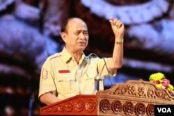 លោក ឱម យិនទៀង ប្រធានអង្គភាពប្រឆាំងអំពើពុករលួយ នៅក្នុង ទិវាអន្តរជាតិប្រឆាំងអំពើពុករលួយ នៅឯរោងមហោស្រពកោះពេជ្រ រាជធានីភ្នំពេញ នៅថ្ងៃពុធ ទី៩ ខែធ្នូ ឆ្នាំ២០១៥។ (ហ៊ាន សុជាតា/ VOA Khmer)