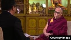 达赖喇嘛接受专访