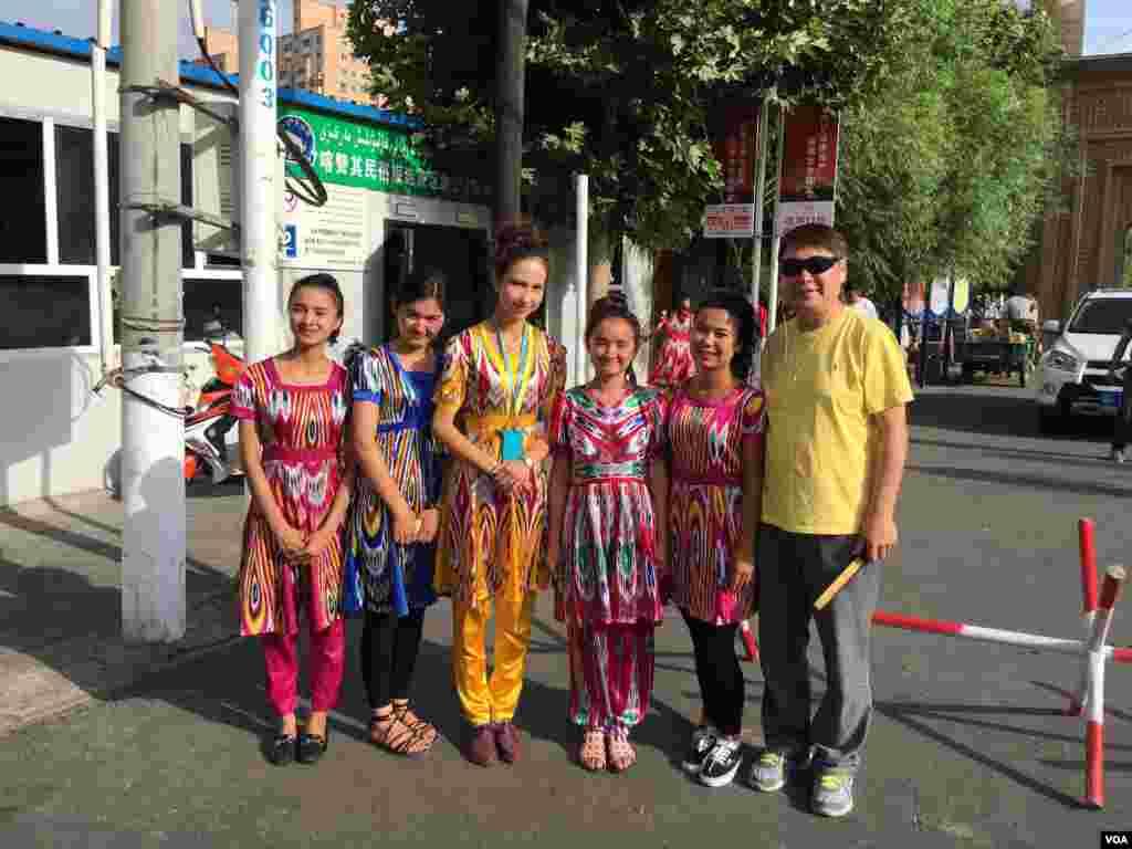 伊犁喀赞其民俗区仍保留各种维族文化习俗,并向游客开放。 (美国之音叶兵拍摄)