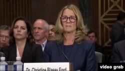 Christine Blasey Ford, quien acusa al nominado para la Corte Suprema de EE.UU., Brett Kavanaugh, de asalto sexual, testifica ante el Senado el jueves, 27 de septiembre de 2018.