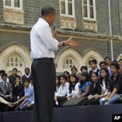 奧巴馬總統以市民大會形式和印度大學生交談
