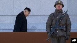 Bình Nhưỡng đã lưỡng lự trước yêu cầu của Washington là Bắc Triều Tiên trước tiên phải hạn chế chương trình vũ khí hạt nhân căn cứ trên những thỏa thuận đã qua trước khi có những cuộc thảo luận mới nào.