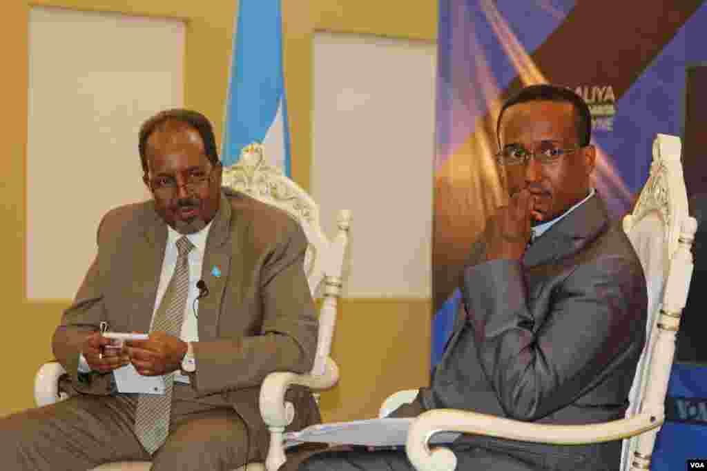 Somali President Hassan Sheikh Mohamoud took part in a town hall hosted by VOA's Somali service Saturday and moderated by journalist Abdul Hussein Osman, in Mogadishu.