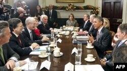 Tổng thống Obama họp với các nhà lãnh đạo của Liên hiệp châu Âu tại Tòa Bạch Ốc ở Washington để thảo luận về các vấn đề kinh tế, 28/11/2011