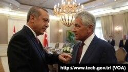 دیدار چاک هگل وزیر خارجه آمریکا با رجب طیب اردوغان رئیس جمهوری ترکیه - آنکارا، ۱۷ شهریور ۱۳۹۳
