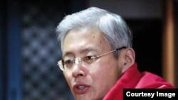南京大学历史系教授高华