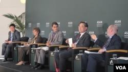 25일 아산정책연구원이 주최한 워싱턴포럼에서 전문가들이 북한 인권 문제에 관해 토론하고 있다.