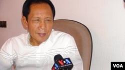 Kepala BIN Sutiyoso dalam wawancara dengan VOA di Jakarta (9/7). (VOA/Andylala Waluyo)