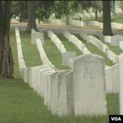 Više od 330 hiljada američkih vojnika sahranjeno je u Nacionalnom groblju u Arlingtonu