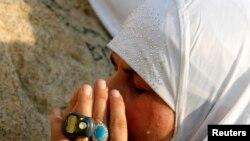 Un musulman en pèlerinage prie au Mont Arafat près de La Mecque, en Arabie Saoudite, le 11 septembre 2016.