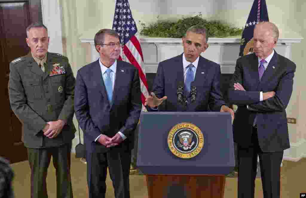 صدر براک اوباما نے افغانستان میں تعینات امریکی فوج کے آئندہ سال طے شدہ انخلا کو ملتوی کرتے ہوئے فوجی دستوں کے قیام میں توسیع کا اعلان کیا ہے۔