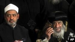 基督教和穆斯林的领袖周日在开罗对媒体讲话