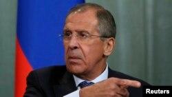 Ngoại trưởng Nga Sergei Lavrov cảnh báo nếu Tổng thống Syria bị lật đổ, Syria sẽ có một chính phủ Hồi giáo.