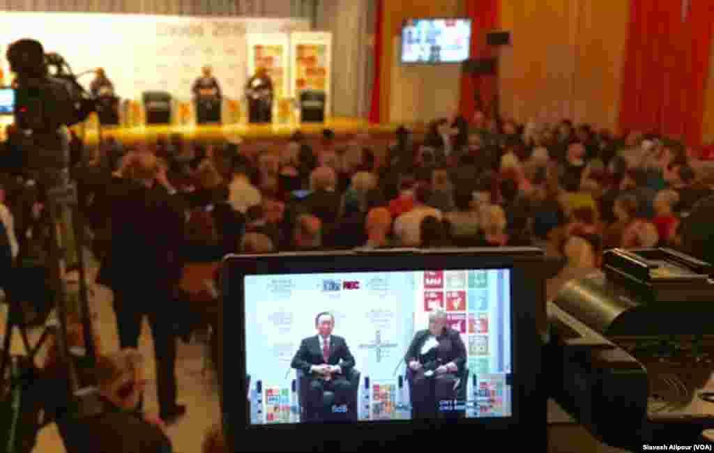 این نشست عمومی با حضوربان کی مون رئیس مجمع عمومی سازمان ملل و النا سولبرگ نخست وزیر نروژ و نخست وزیر غنا برگزار شد که برای عموم مردم بود.