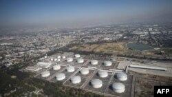 Vista aérea del complejo petrolero de la compañía petrolera mexicana PEMEX en Azcapotzalco, en las afueras de la Ciudad de México.