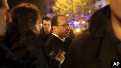 法國奧朗德總統巡視13日受襲地點。