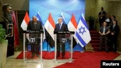 Le premier ministre Benjamin Netanyahu rencontre le ministre égyptien des Affaires étrangères Sameh Choukry, Jerusalem le 10 juillet 2016.