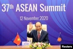 Thủ tướng Việt Nam Nguyễn Xuân Phúc ngày 12/11/2020.