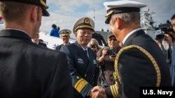 中國海軍2016年12月6日訪問美國圣迭戈軍港(美國海軍照片)