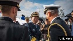 中国海军2016年12月6日访问美国圣迭戈军港 (美国海军照片)