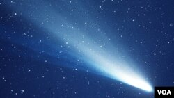 Hace 25 años, el cometa Halley se hizo completamente visible desde la tierra, pero no será hasta dentro de 51 años que se vea en su completa dimensión.