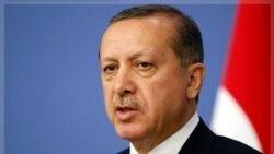اردوغان نخست وزیر ترکیه حمله جنگنده ها و هلیکوپترها به مواضع پ.کا.کا. در خاک عراق را در چارچوب قوانین بین المللی عنوان کرد. ۱۹ اکتبر ۲۰۱۱
