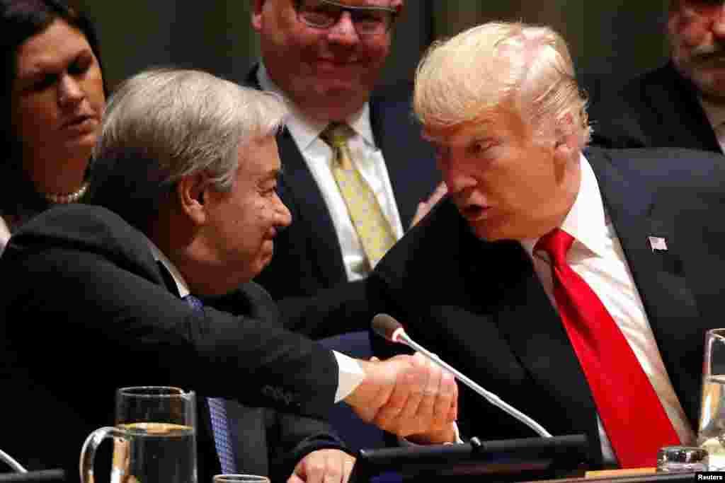 پرزیدنت ترامپ در روز دوشنبه در نیویورک با دبیرکل سازمان ملل. آنها در نشستی برای مبارزه جهانی با مواد مخدر شرکت کردند.