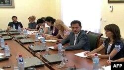 Potpredsednik srpske vlade Bodžidar Đelić na brifingu sa novinarima