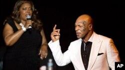 """Cựu vô địch quyền Anh hạng nặng thế giới Mike Tyson trong đêm khai mạc show diễn """"Mike Tyson: Sự thật không thể tranh cãi"""" tại Las Vegas hồi tháng 4, 2013 (ảnh tư liệu)."""
