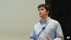 研究权利联盟创办人夏奇去年在麻省理工学院演讲