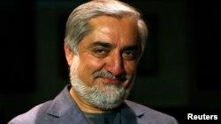 Abdullah Abdullah tsohon ministan harkokin wajen kasar Afghanistan wanda ke kan gaba kadan a zaben shugaban kasa