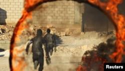 지난 10월 시리아 이들리브에서 반군 병사들이 군사훈련을 받고 있다.
