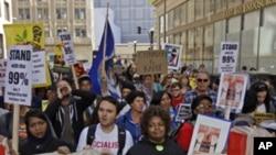 امریکی شہر اوکلینڈ میں مظاہرین اور پولیس میں تصادم