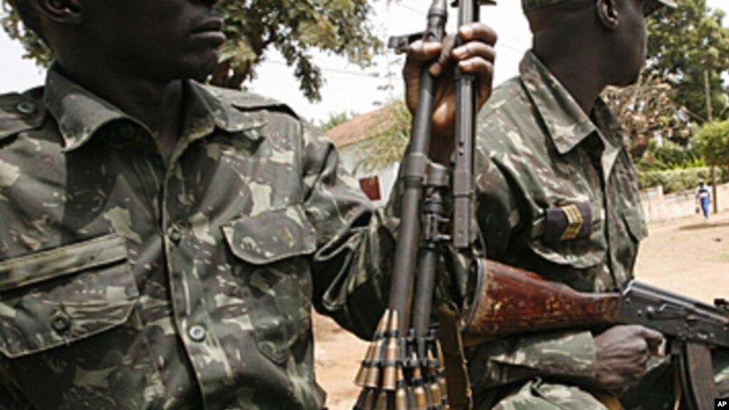 Ex-militares das FAPLA sofrem em empresa de segurança