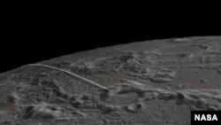Garis putih menunjukkan jalur penerbangan terakhir untuk pesawat kembar NASA di bulan. (Foto: NASA)